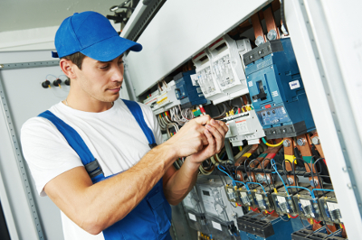Commercial Electrician in West Bloomfield MI - Triple H Electric - electrician1
