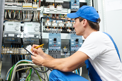Electrician in West Bloomfield MI - Triple H Electric - electrician2